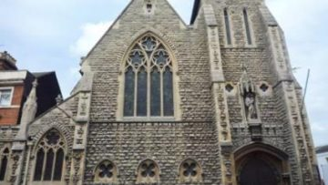 Bedford – The Holy Child and St Joseph