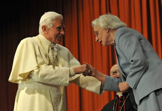Mrs Fasky's Welcome to Pope Benedict